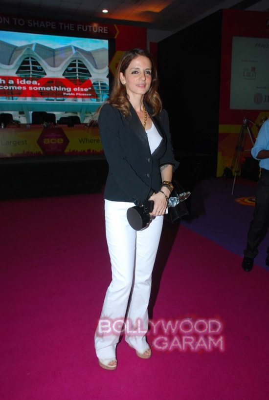 Sussanne Khan at ace exhibition-10