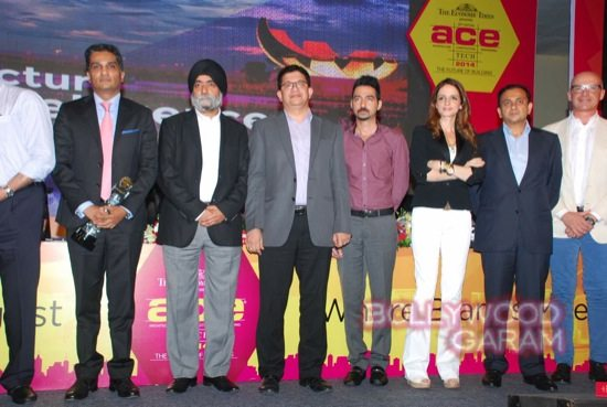Sussanne Khan at ace exhibition-5