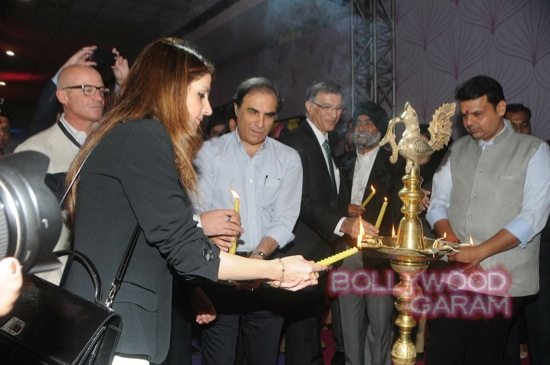 Sussanne Khan at ace exhibition-7