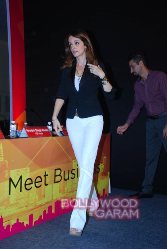 Sussanne Khan at ace exhibition-8