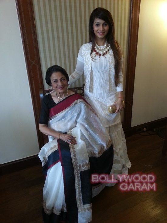 Tanuja and Tanishaa at Kolkata film festival-3