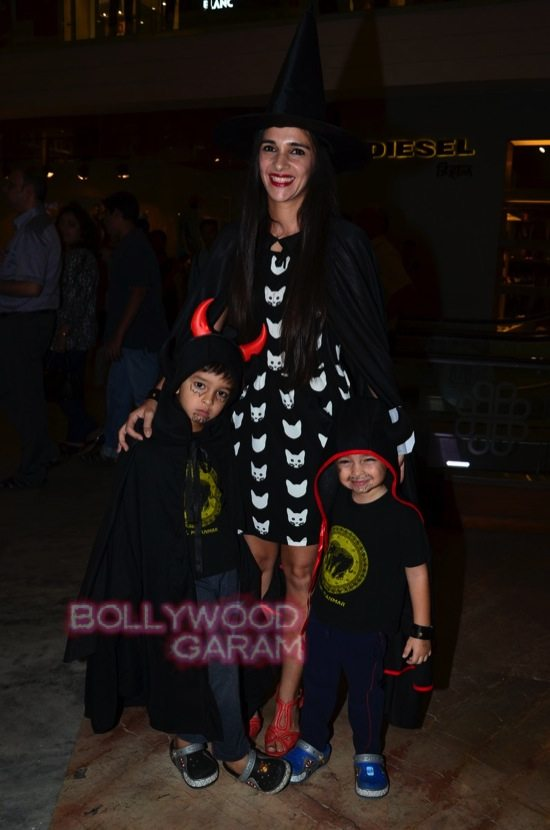 Tara sharma and madhoo_Halloween night bash-1
