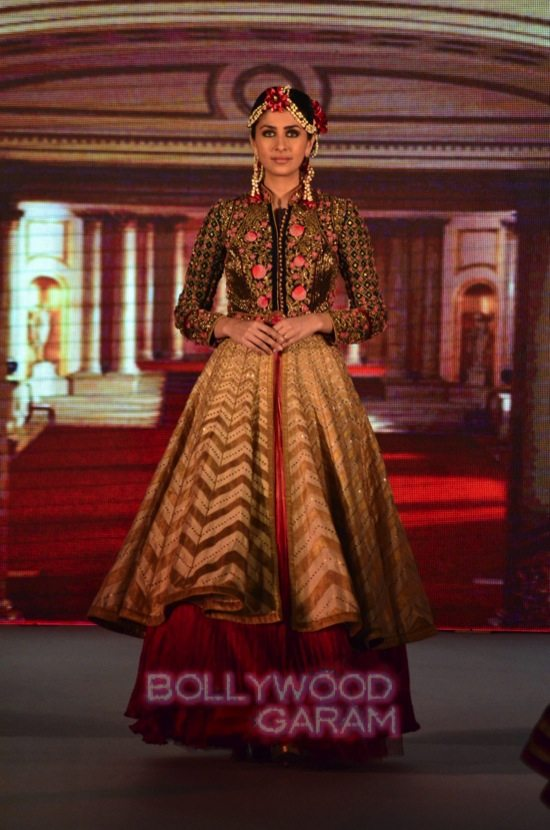 Vaani Kapoor showstopper at Royal Fable-12