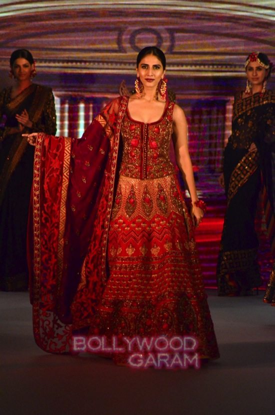 Vaani Kapoor showstopper at Royal Fable show-16