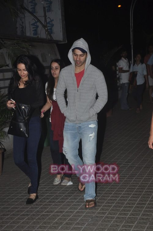 Varun Dhawan with friends_Juhu-0
