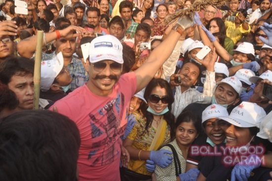 Vivek Oberoi clealiness campaign-3