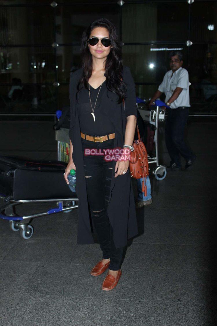 esha Gupta airport2