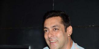 Salman Khan shares Bajrangi Bhaijaan Rs. 300 crore success with media – Photos
