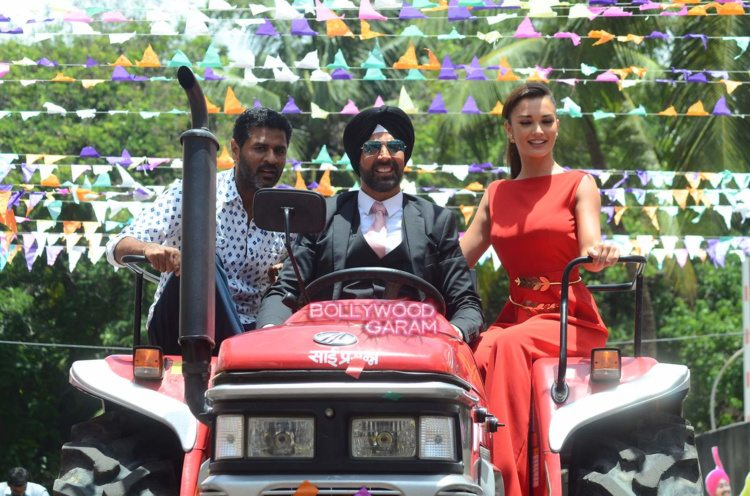 singh is bling event9