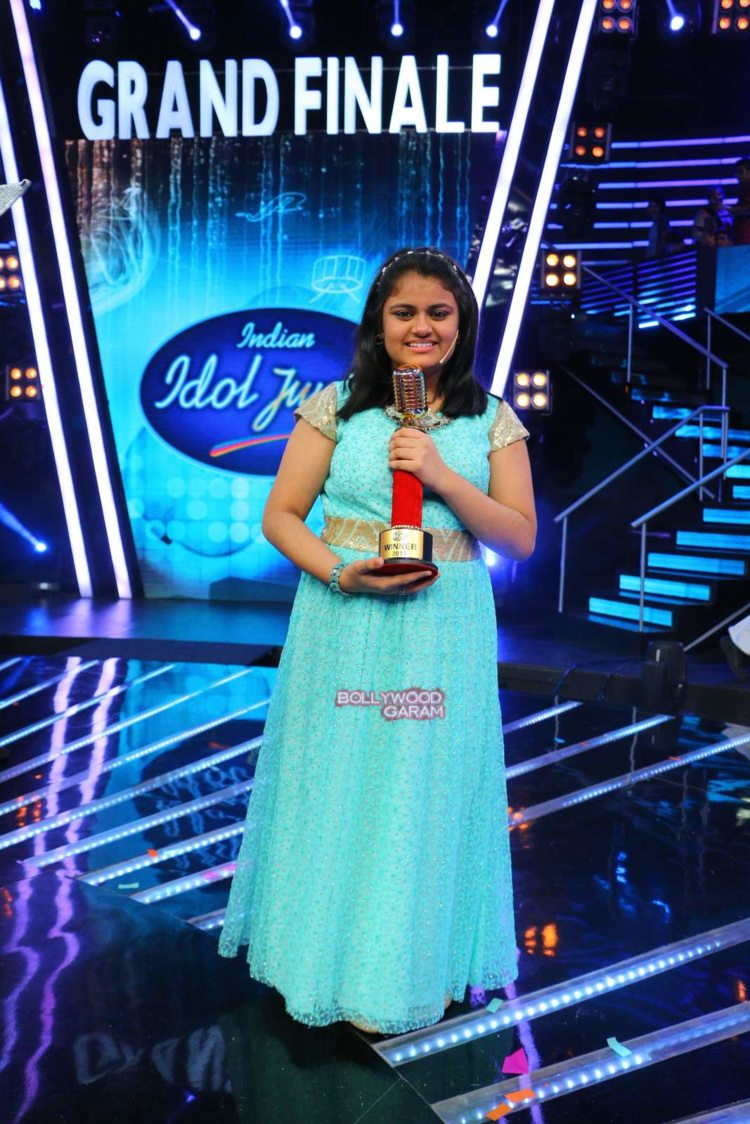 Indian idol jr 212