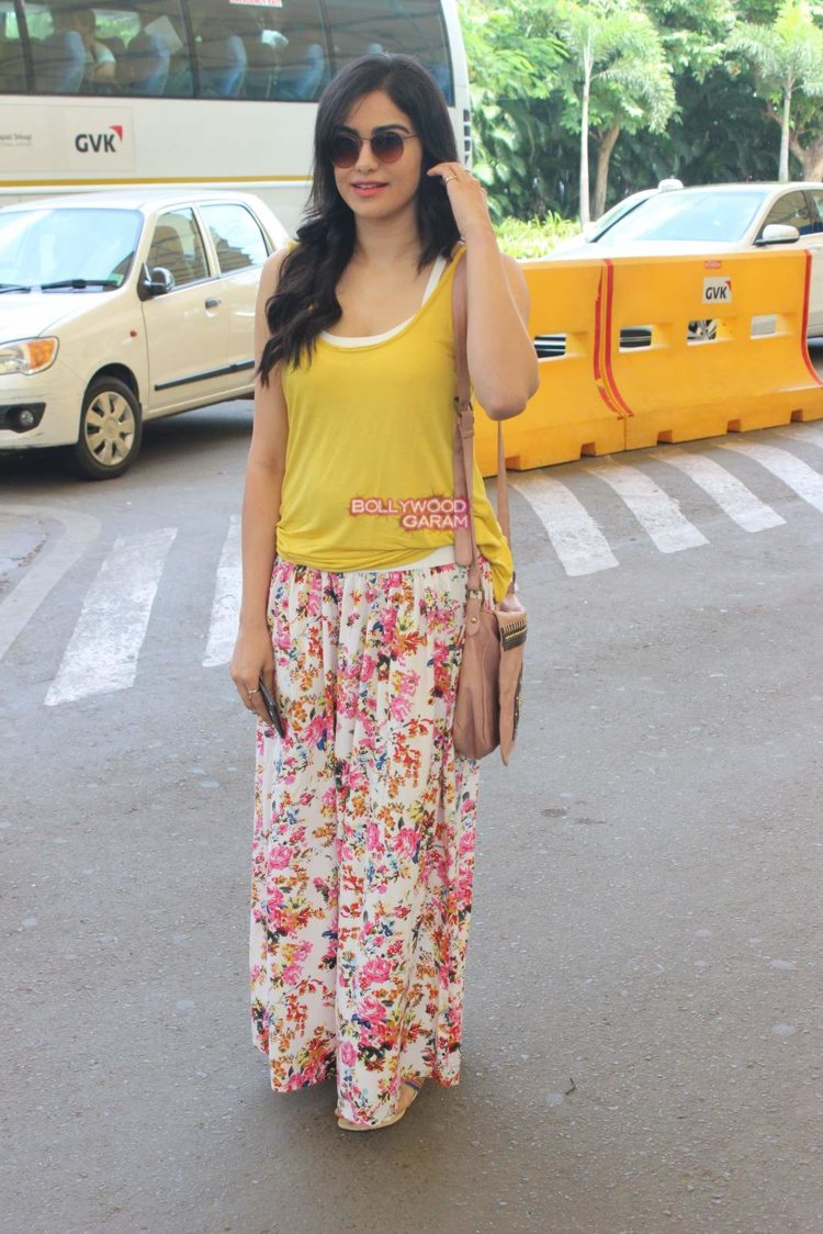adah sharma airport1