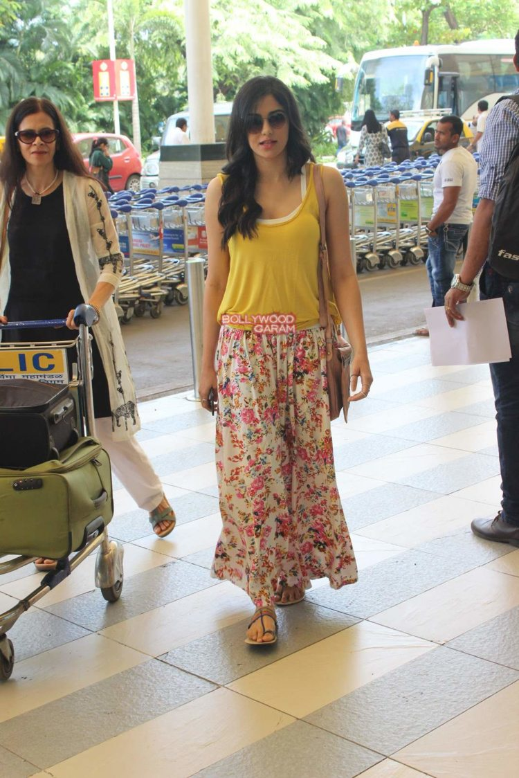 adah sharma airport7