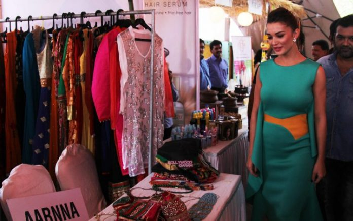 amy jackson shopping fest10