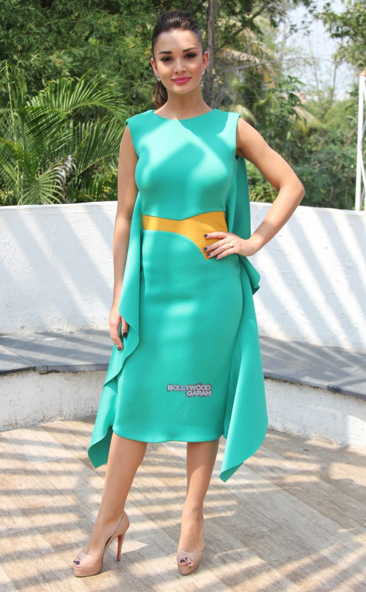amy jackson shopping fest3