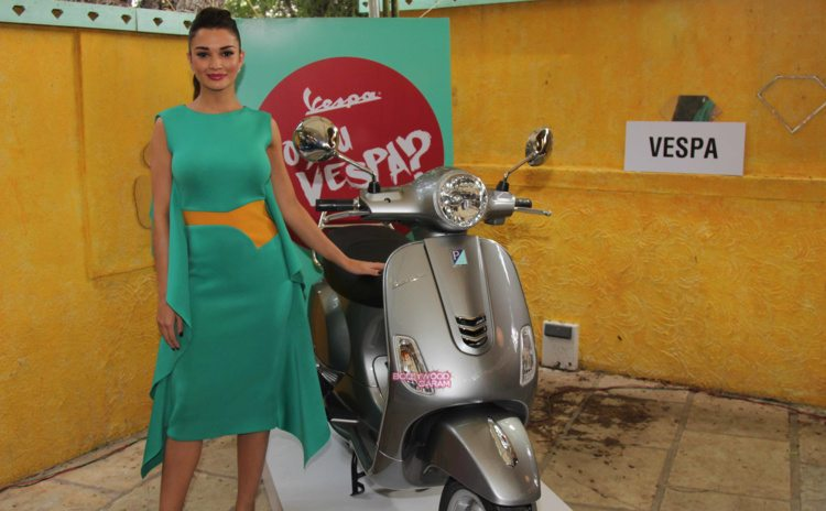 amy jackson shopping fest4