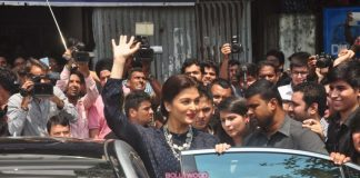 Aishwarya Rai promotes Jazbaa at Mithibai College – Photos