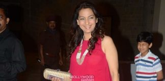 Juhi Chawla in pretty pink at Mahatma screening