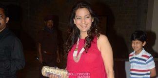 Juhi Chawla in pretty pink at Mahatma screening