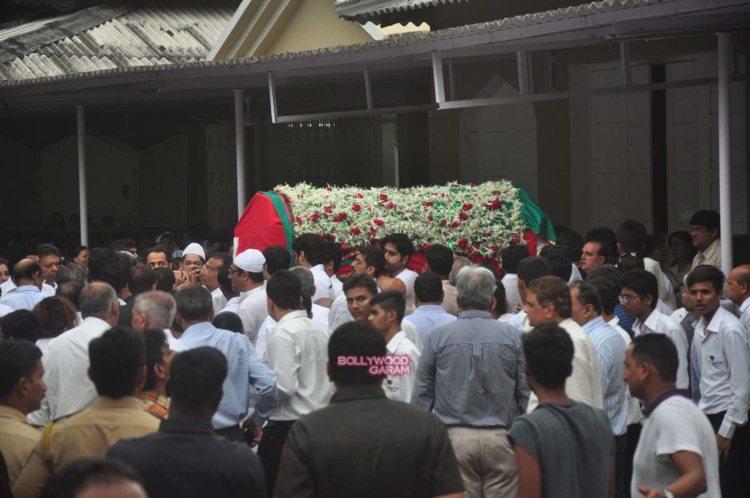 karim morani mother funeral11