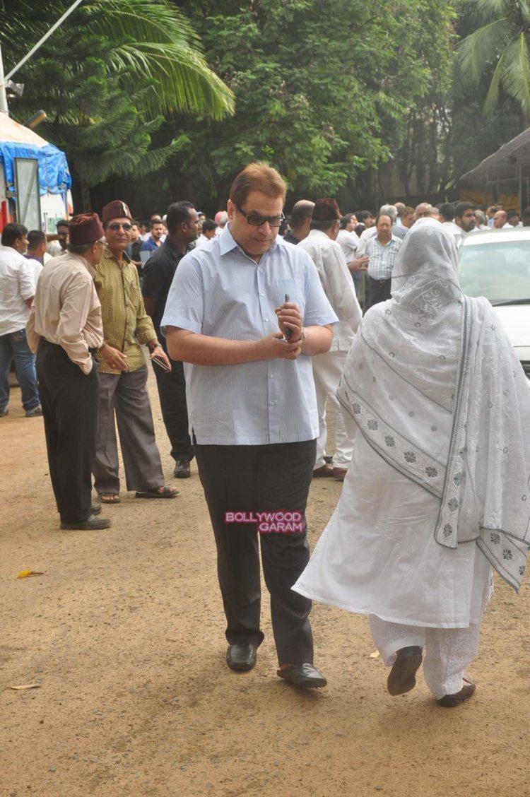 karim morani mother funeral7