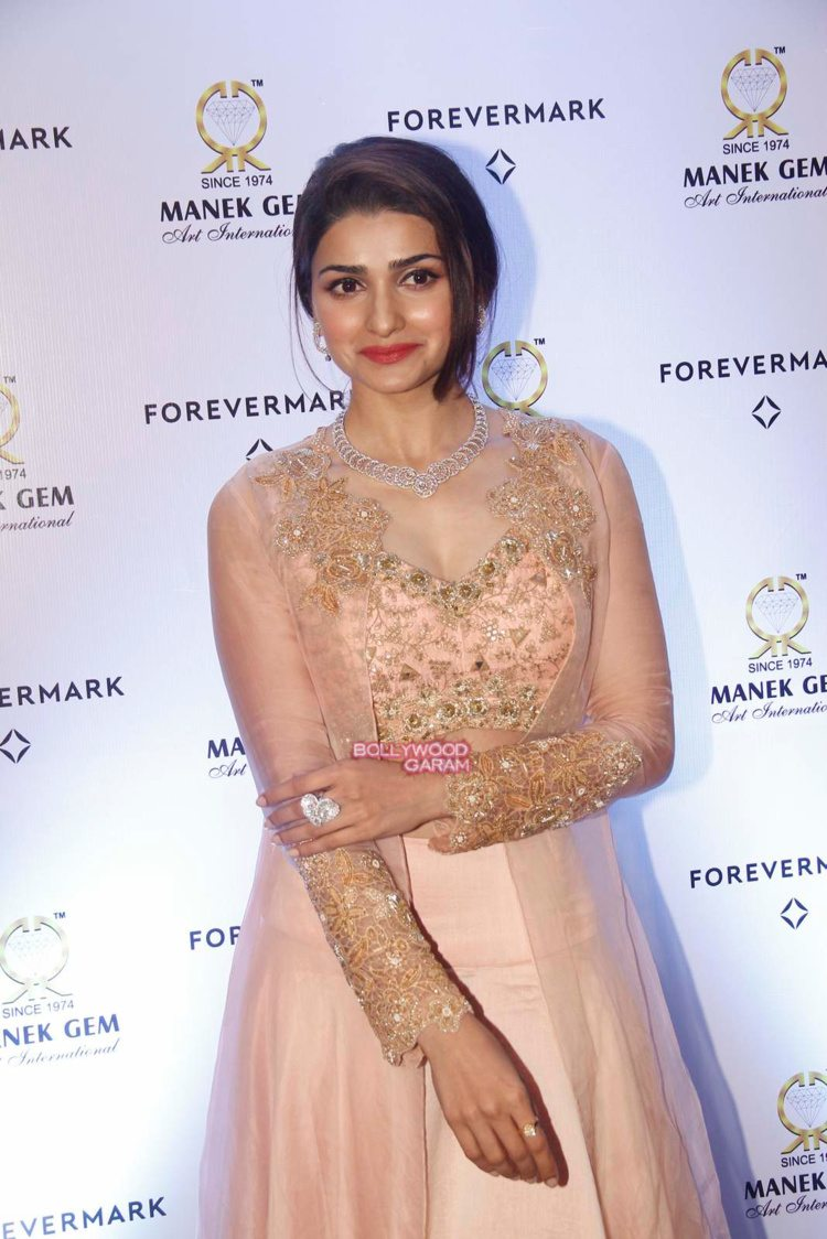 prachi desai diamonds4