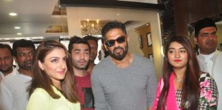 Soha Ali Khan and Suniel Shetty at U and Me Salon launch