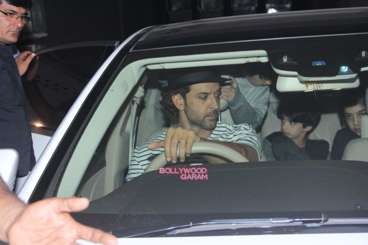 Hrithik with sons4