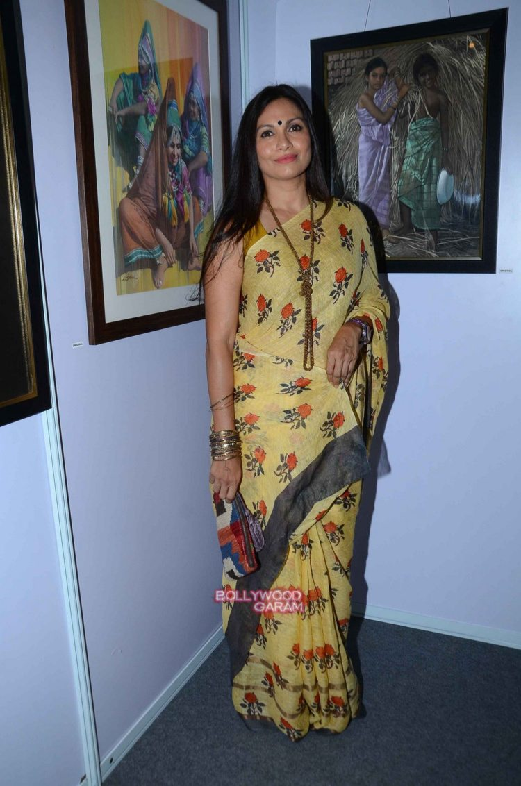 Juhi chawla art exhibition11
