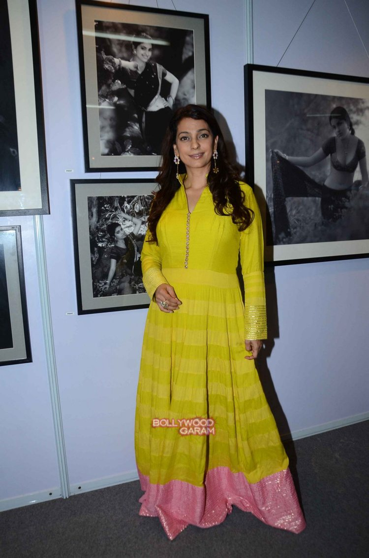 Juhi chawla art exhibition3