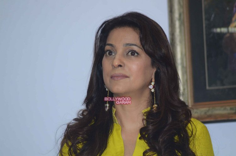 Juhi chawla art exhibition7