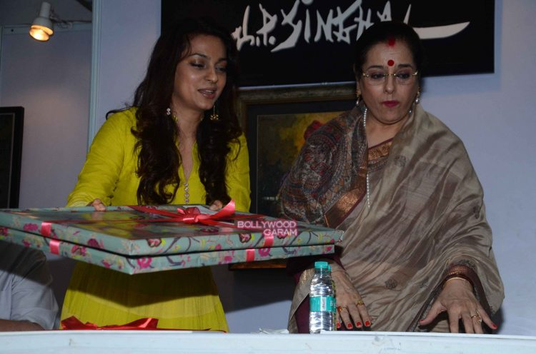 Juhi chawla art exhibition9