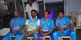 Suniel Shetty and Rahul Roy at Corporate Cricket Bash inaugural match – Photos