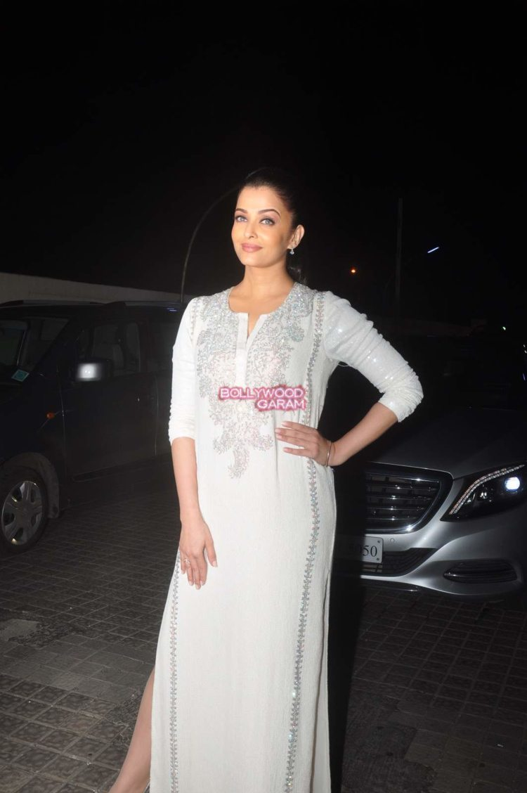 jazbaa screening10