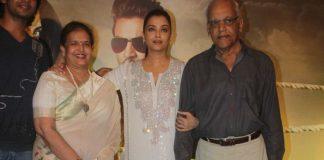 Aishwarya Rai Bachchan at Jazbaa screening with parents – Photos