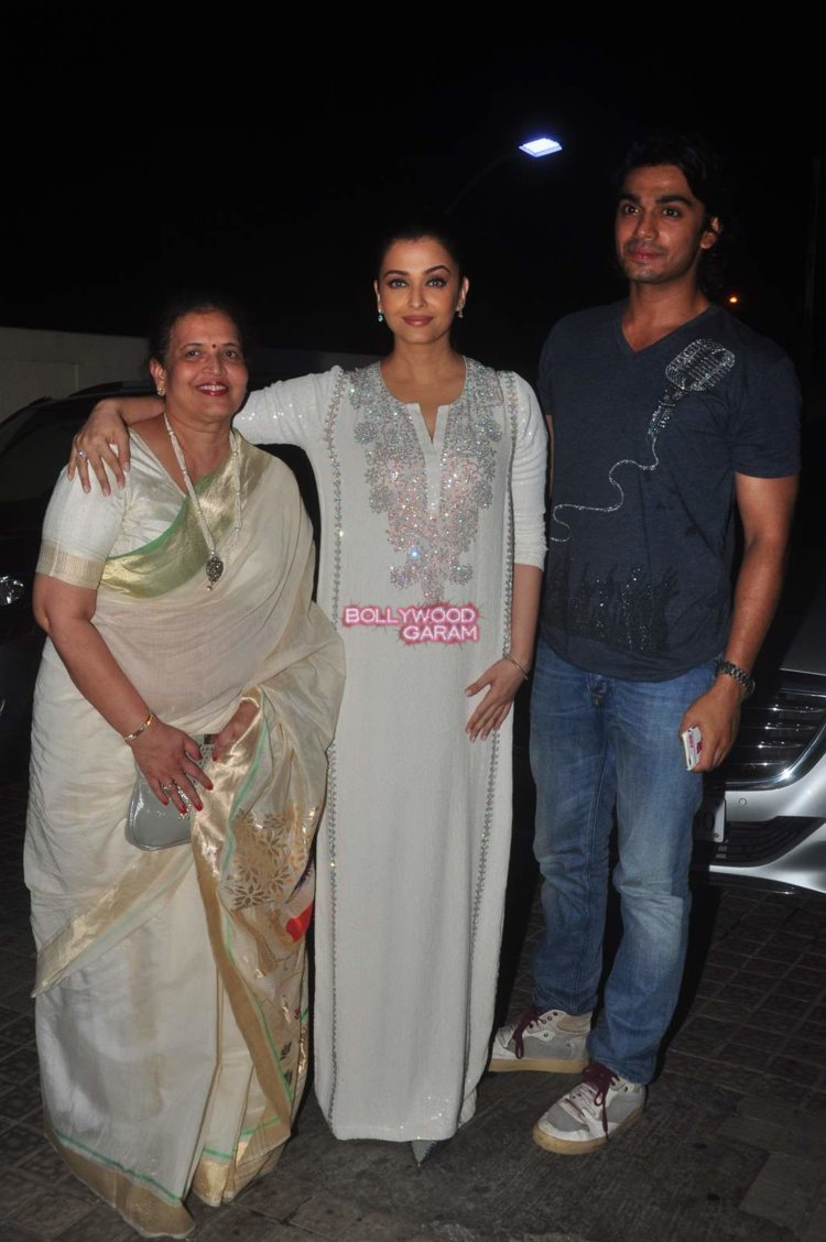 jazbaa screening8