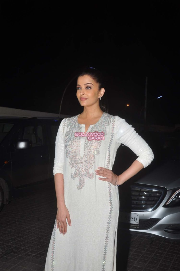 jazbaa screening9
