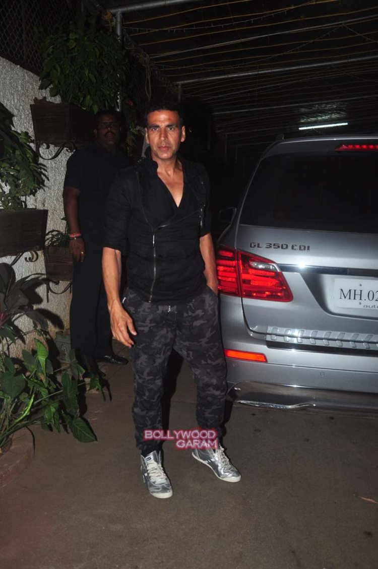 singh is bling screening4