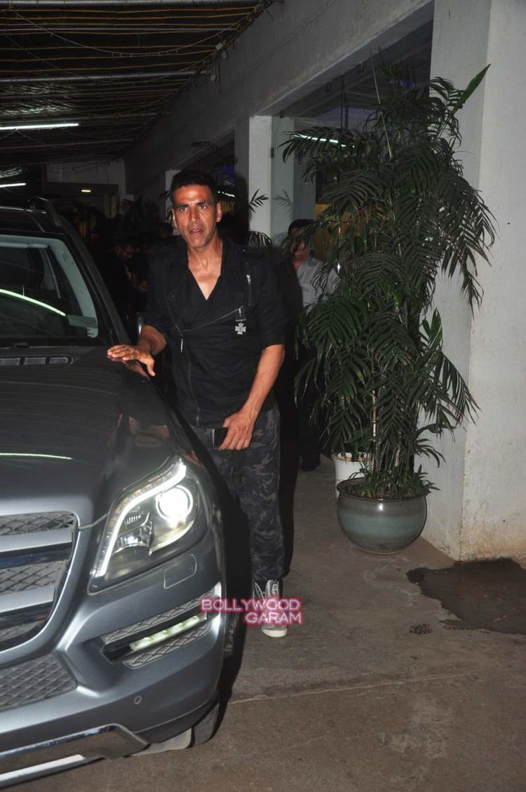 singh is bling screening6