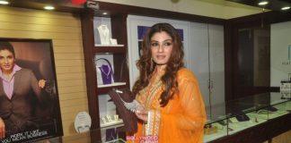 Raveena Tandon dazzles at PN Gadgil event