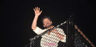 Shahrukh Khan greets fans outside Mannat on his 50th birthday eve – Photos