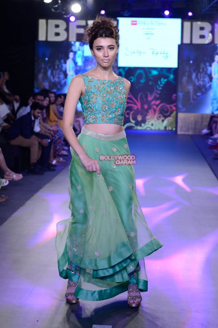 shilpa beach fashion6