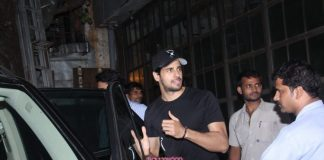 Siddharth Malhotra spends quality time with friends