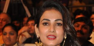Sonal Chauhan stuns at Size Zero music launch