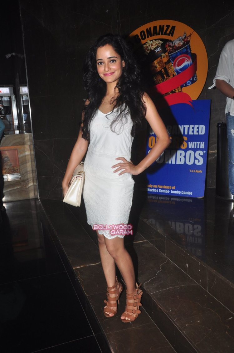 taapsee the home coming7