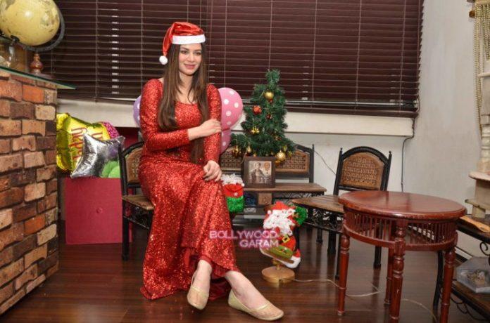 kainaat christmas7