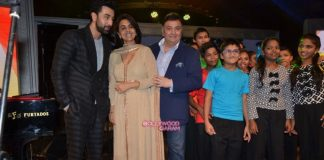 Ranbir Kapoor, Rishi Kapoor and Neetu Kapoor spend time with NGO kids