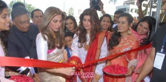 Dimple Kapadia and Twinkle Khanna inaugurate Ranka Jewellers showroom