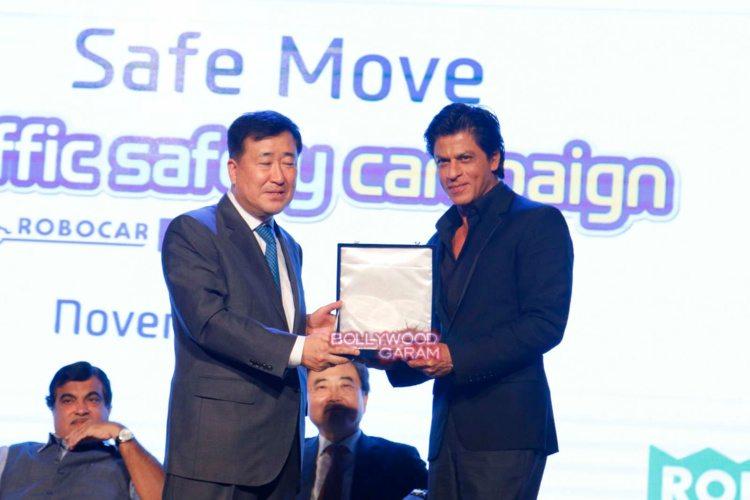 shahrukh Khan road safety10