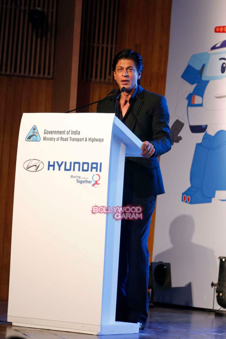 shahrukh Khan road safety6