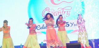 Daisy Shah performs at grand New Year Bash by Country Club – Photos